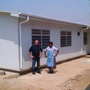 Centre régional de traitement du SIDA en Afrique - 7 cliniques dans un secteur de 280 mètres carrés pour les régions où la prévalence du SIDA est élevée