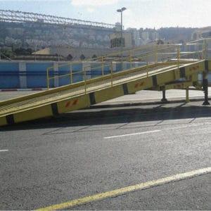 Rampe spéciale pour le chargement et le déchargement de navires au port de Haïfa