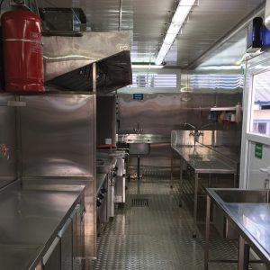 Les conteneurs de 40 pieds offrent une zone de travail spacieuse et confortable
